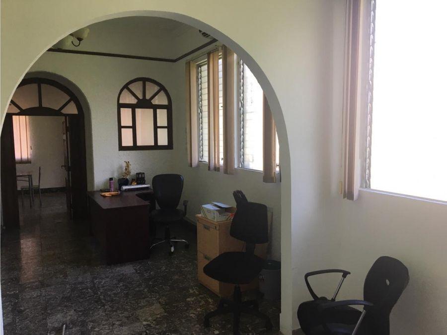 alquilo oficina en perejil desde 25m2 hasta 350m2