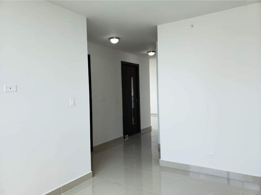 apartamento linea blanca en ave balboa cerca al parque urraca
