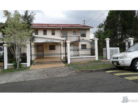 casa amplia en alquiler 3rec en clayton embassy gardens