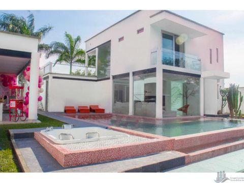 casa con piscina en conjunto guacari valle del cauca