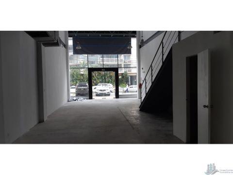 se alquila local comercial newberry plaza 158m2