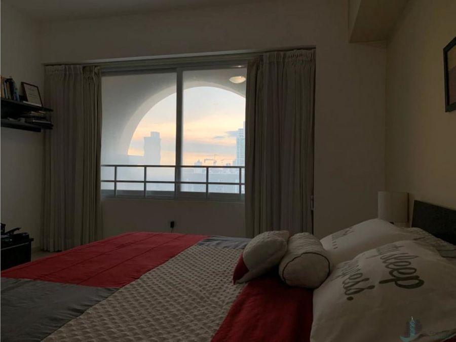 apartamento en la av balboa ph vista del mar