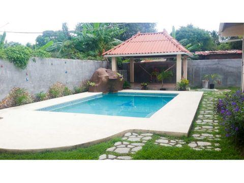 casa de playa con piscina nueva gorgona