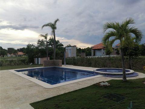 casa de playa con piscina privada por temporadas