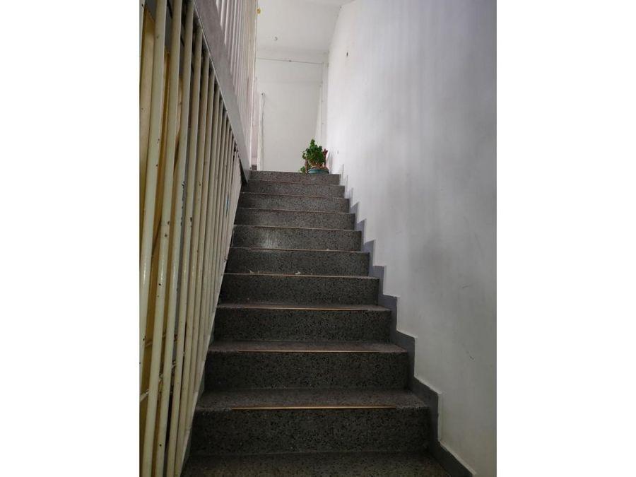 casa en san vicente ferrer de 194 mts2 de 3 pisos rentando