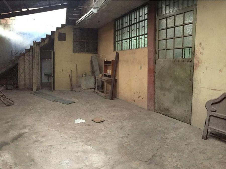 edificio bodega en barrio san bernardo 10 mts frente x 30 mts fondo