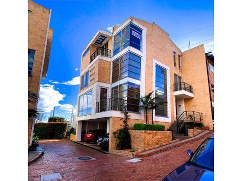 casa de 334 mts 2 de 4 pisos turco y jacuzzi hermosa en torreladera