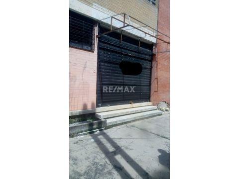 local comercial en la av bolivar