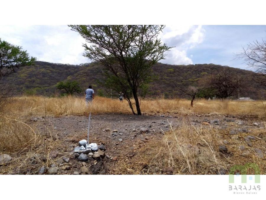 venta de terreno en fraccionamiento con alberca en limites de morelos