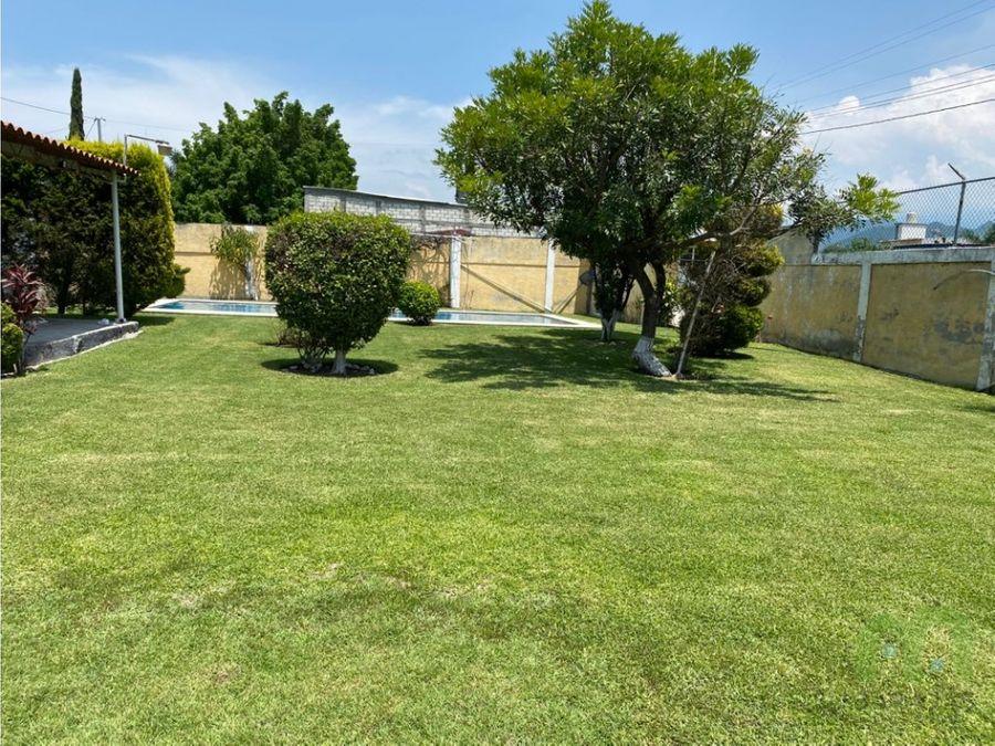 venta de terreno bardeado con alberca y amplio jardin en morelos
