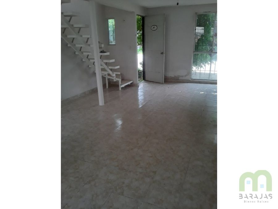 casa de 2 niveles y areas verdes en paseos de xochitepec morelos