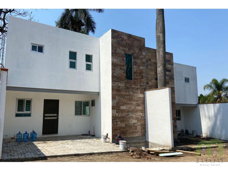 venta de casa nueva sola con jardin en cuernavaca
