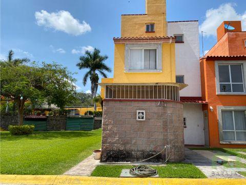 venta de casa con alberca y areas verdes en villas del seminari