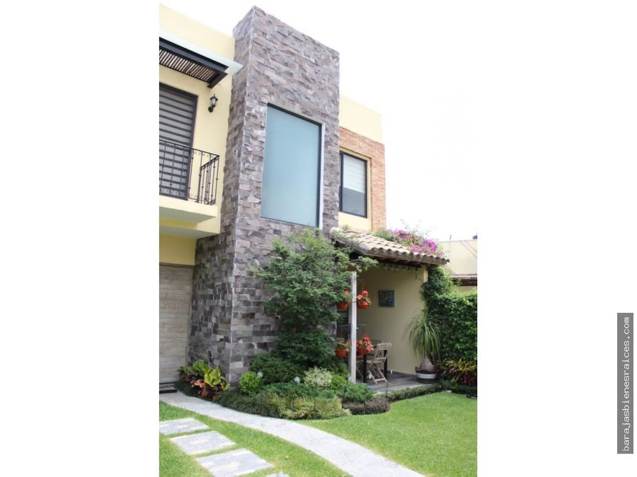 venta de casa con alberca jacuzzi y amplias areas verdes en jiutepec