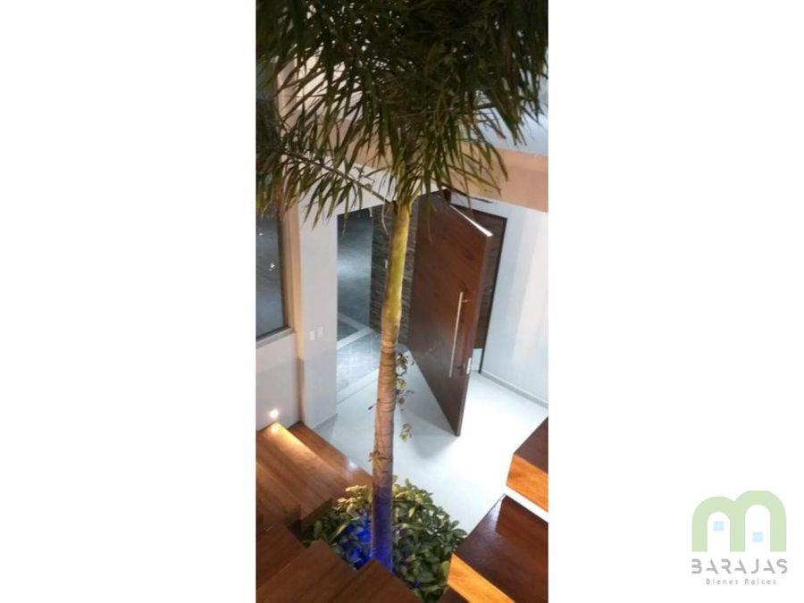 residencia nueva con alberca jardin y acabados de lujo en burgos