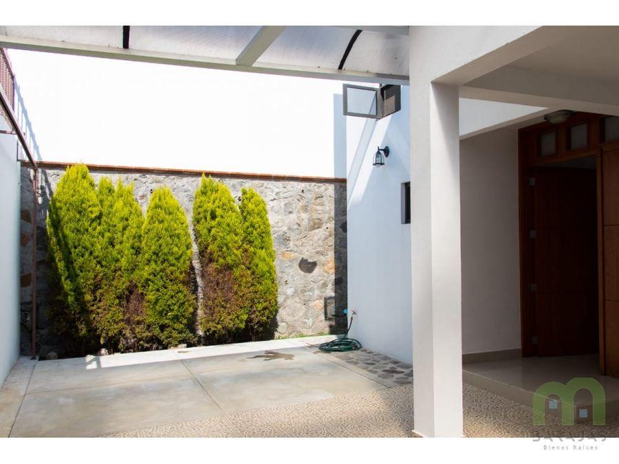 casa sola en venta con amplio jardin en cuernavaca