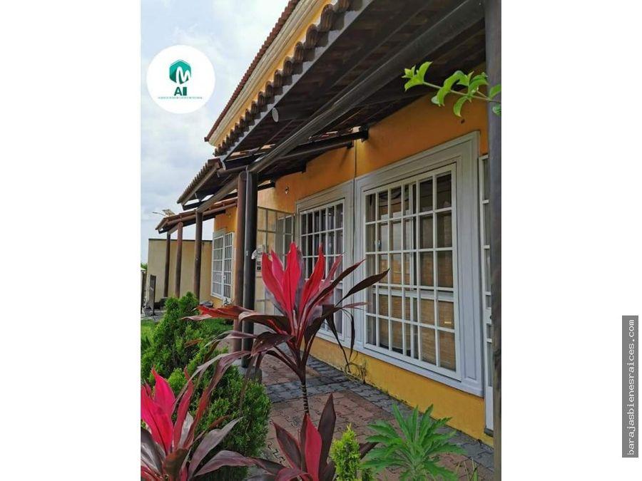 casa con alberca y amplias areas verdes lista para vivir en temixco