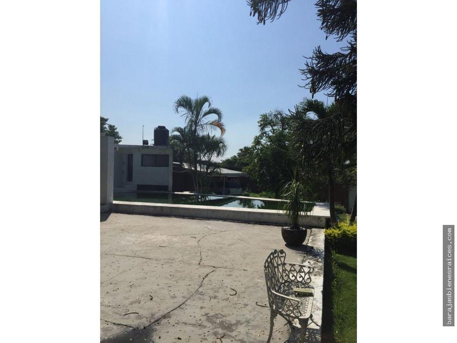 casa sola en venta con alberca y amplio jardin en yautepec