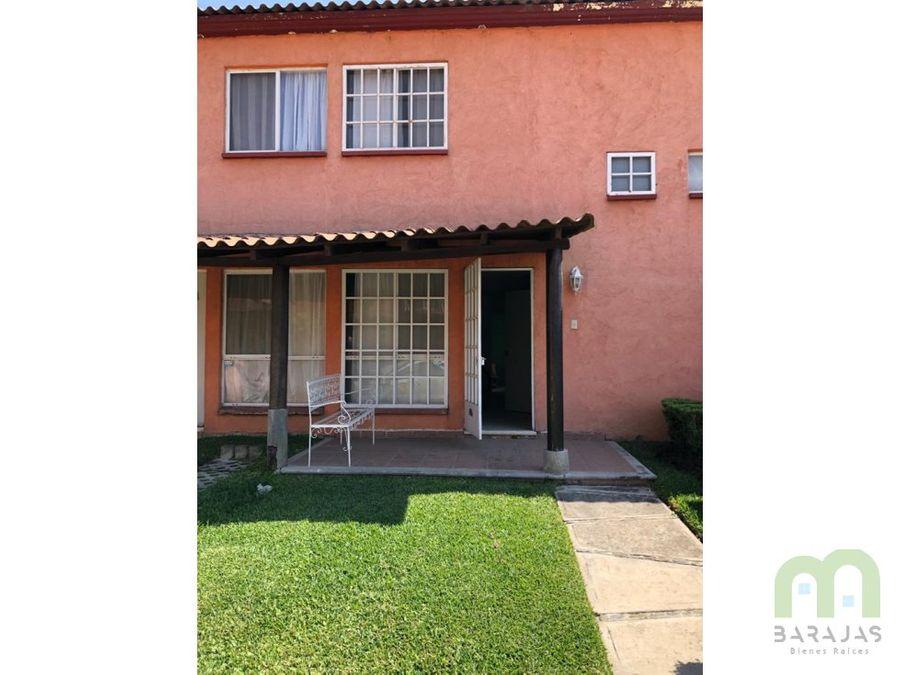 venta de casa en condominio con alberca y areas verdes en tezoyuca