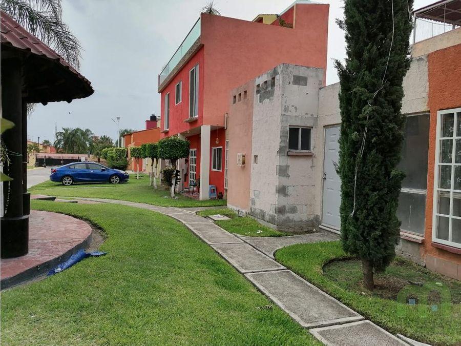 casa en venta con alberca y amplias areas verdes en las garzas