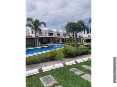 casa con alberca y amplias areas verdes en yautepec morelos