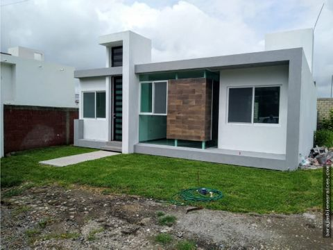 venta de casa nueva con amplio jardin y alberca en oaxtepec morelos