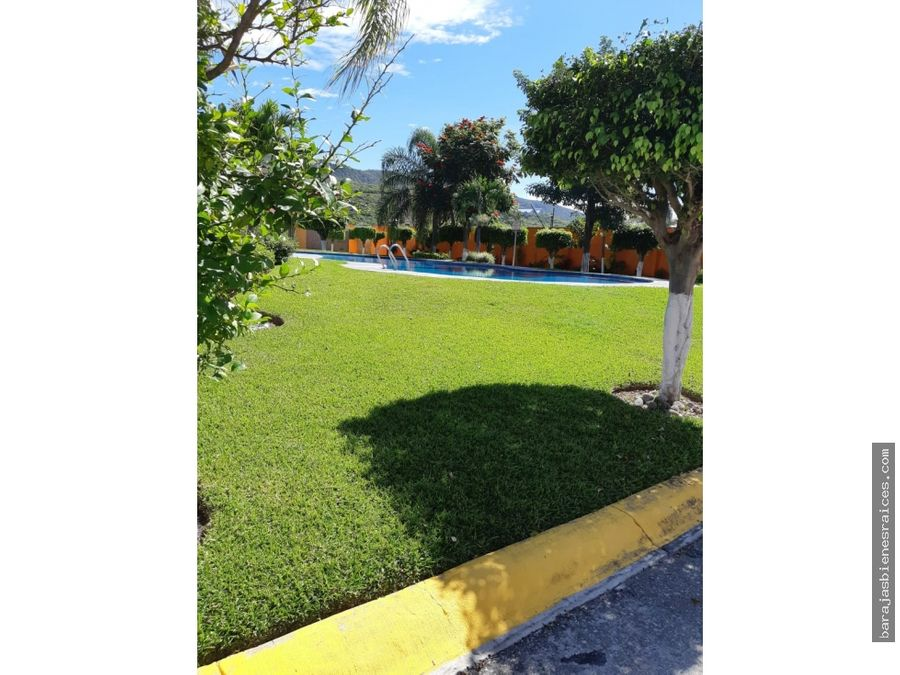 casa en venta con alberca y amplias areas verdes en emiliano zapata