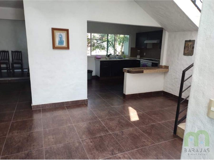 venta de casa sola con alberca y jardin en excelente zona de jiutepec