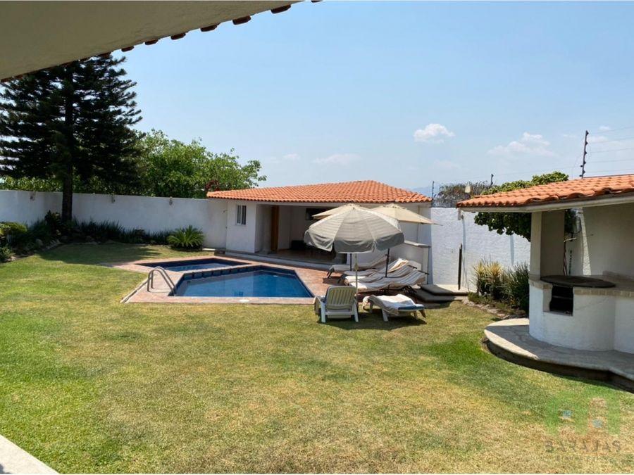 venta de casa con alberca amplio jardin y vista panoramica en burgos