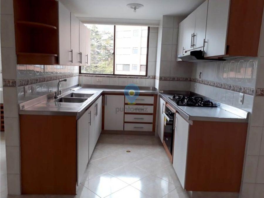 apartamento en arriendo en el poblado tomatera