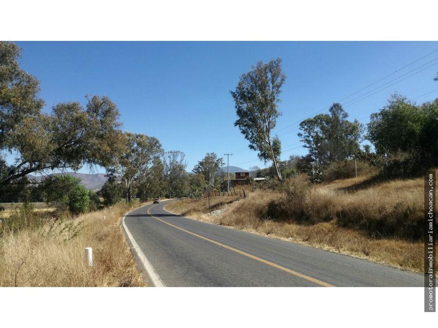 terreno a bordo de carretera carretera mil cumbres morelia