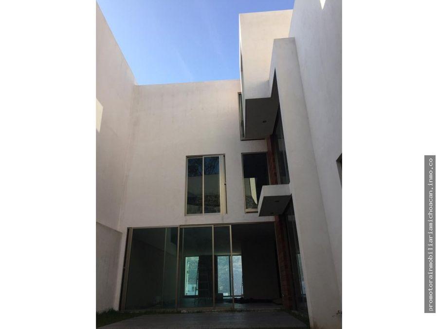 casa en residencial puerta tres marias sur morelia