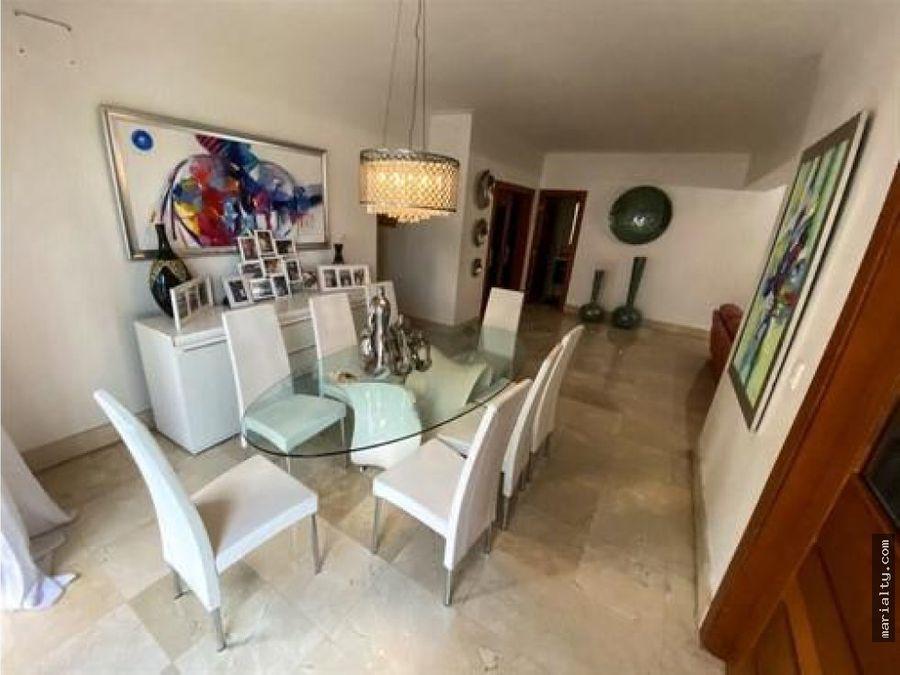 se vende amplio apartamento de 3 habitaciones bella vista