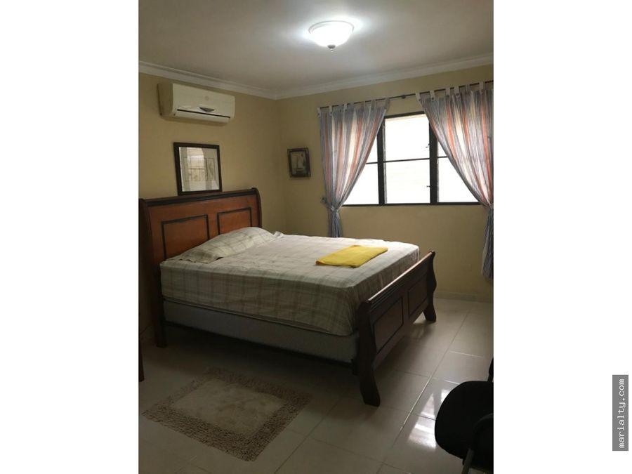 se alquila apartamento amueblado de 2 habitaciones en bellavista