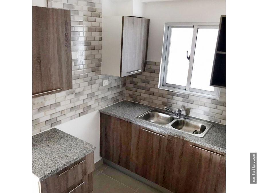 apartamento tipo penthouse de 3 habitaciones en villa marina