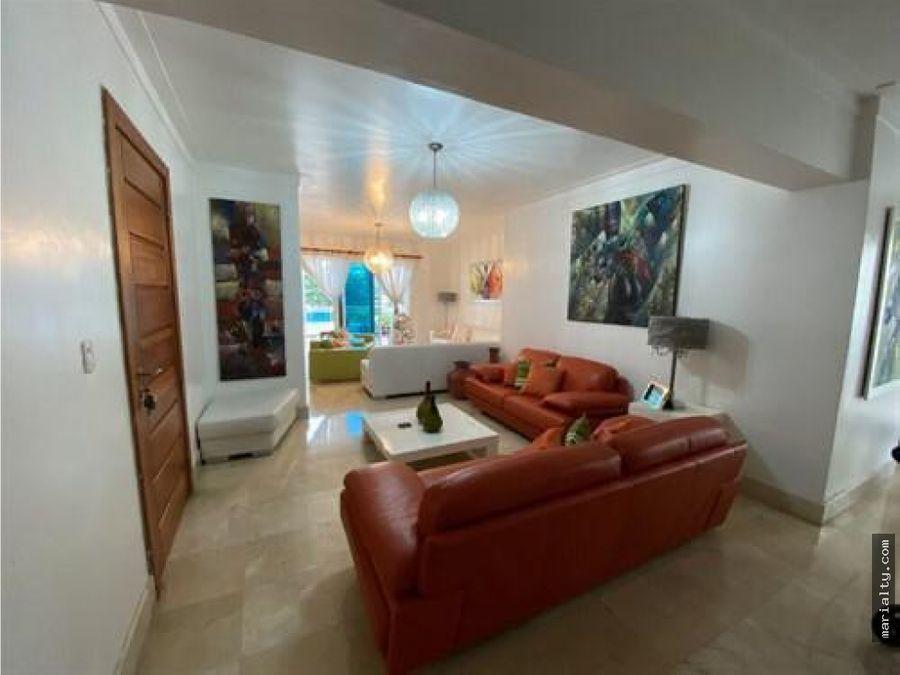 se vende apartamento de 3 habitaciones y amplia terraza en bella vista