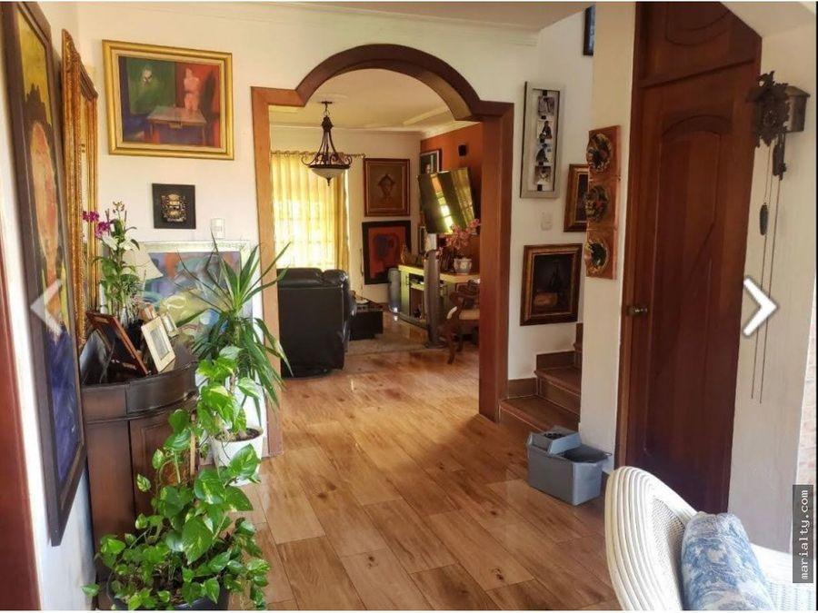 se vende casa con terraza en residencial el ducado