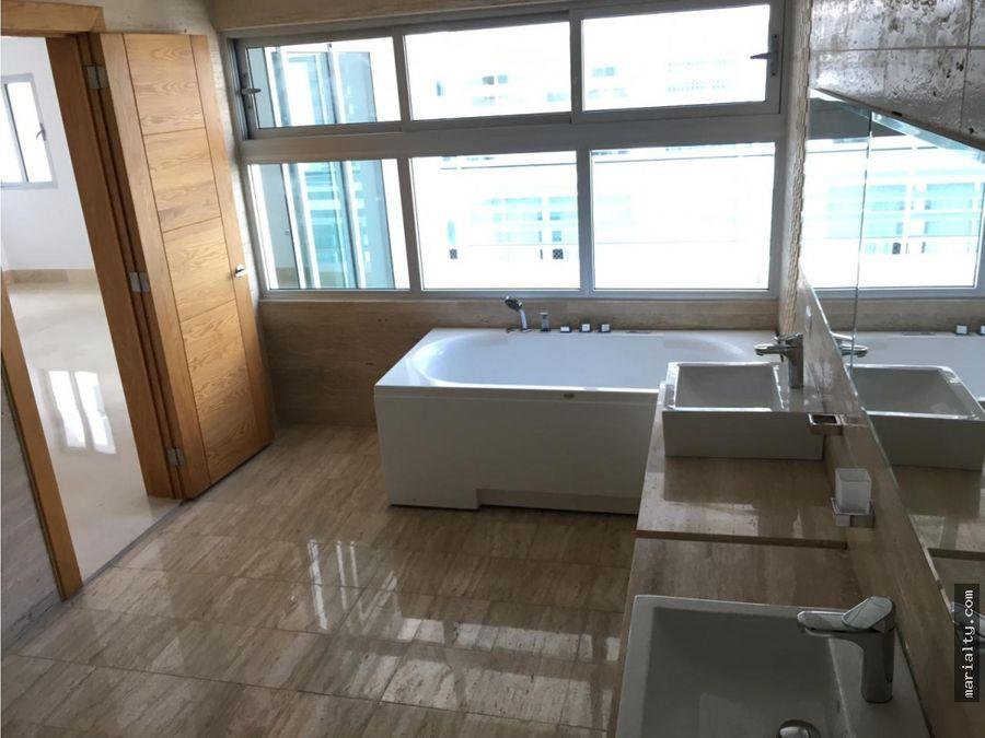 se vende penthouse de 4 habitaciones en piantini