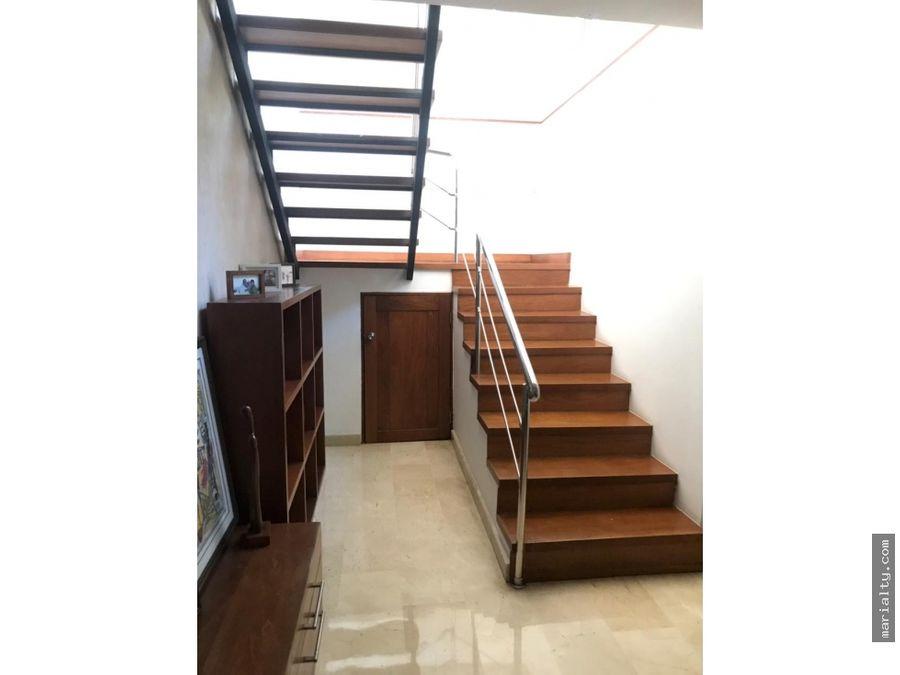 se vende pent house de 5 habitaciones en naco