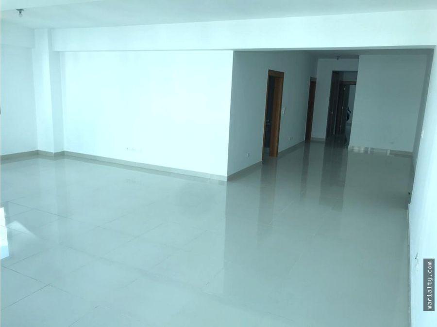 se vende amplio apartamento nuevo de 3 habitaciones en renacimiento