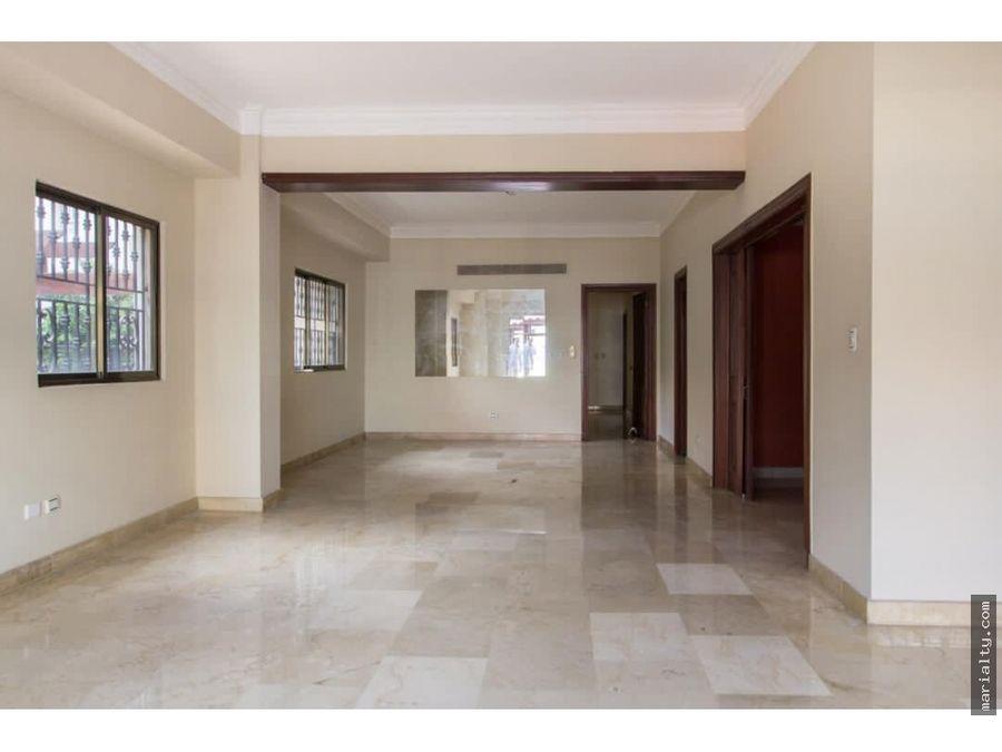 se vende apartamento con terraza de 3 habitaciones en ens paraiso