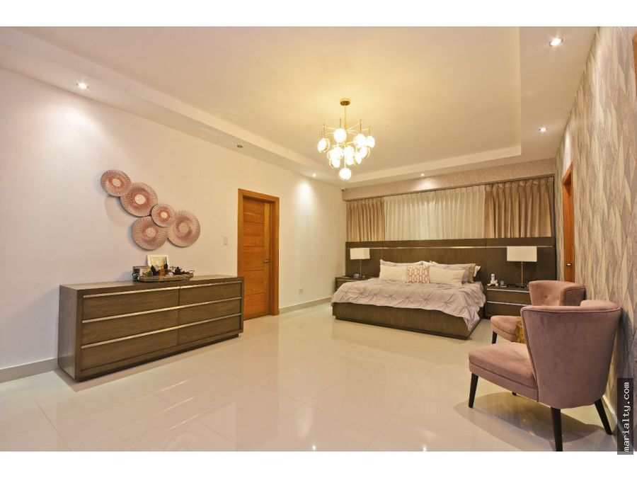 apartamento de 5 habitaciones en urbanizacion real