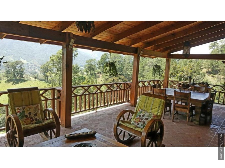 casa con hermosa vista de 4 habitaciones en jarabacoa