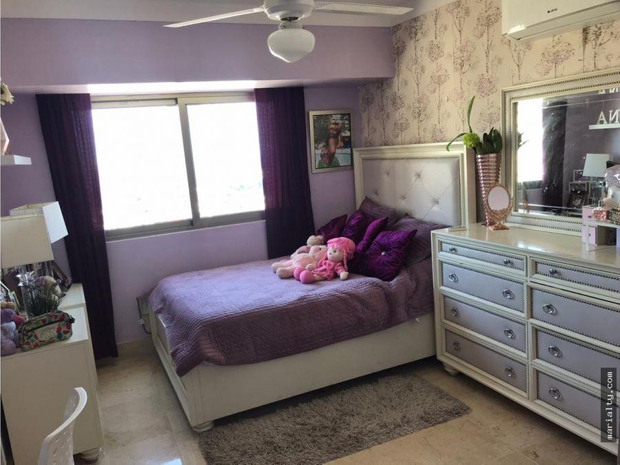 se vende apartamentode 4 habitaciones en los cacicazgos