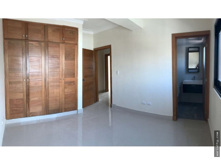apartamento de 3 habitaciones y 3 parqueos en el vergel