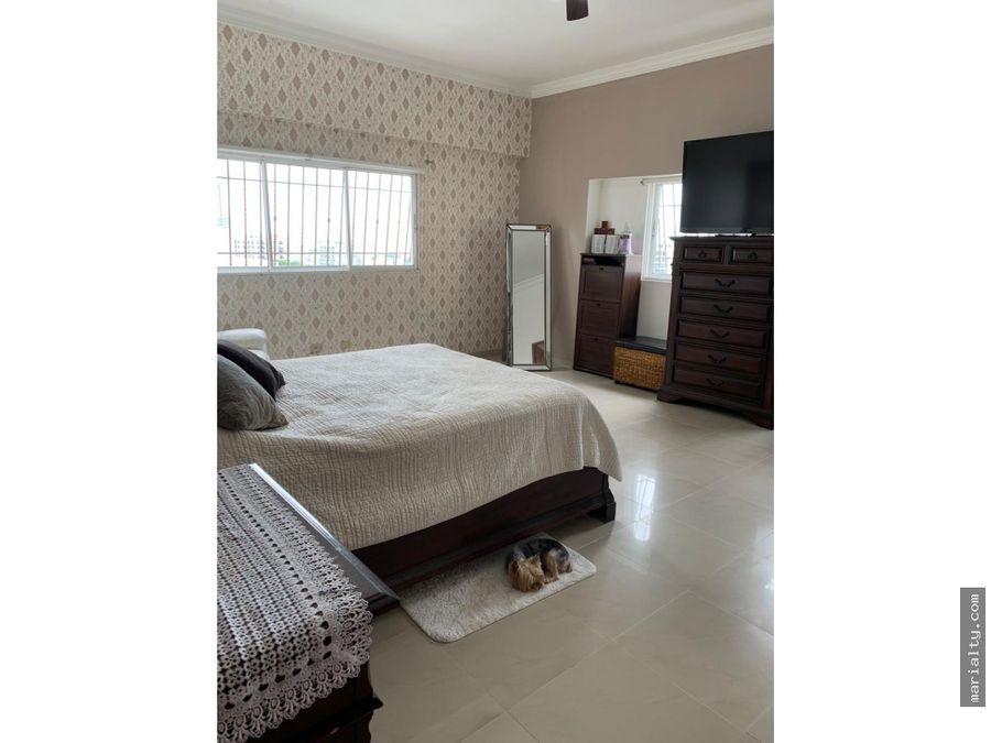 se vende penthouse de 4 habitaciones y jacuzzi en la esperilla
