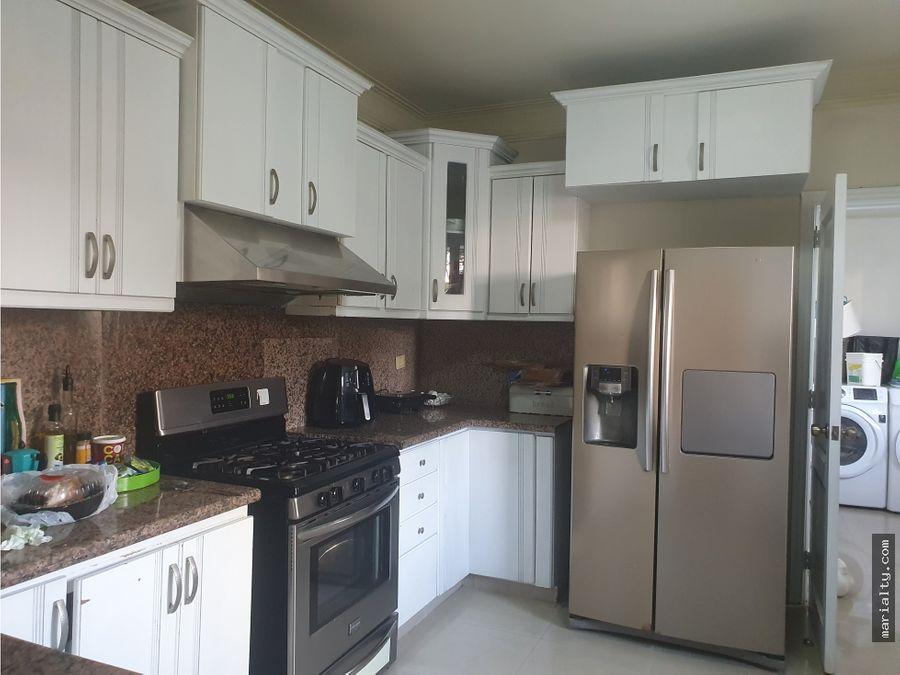 se vende amplio apartamento de 3 habitaciones con terraza en naco