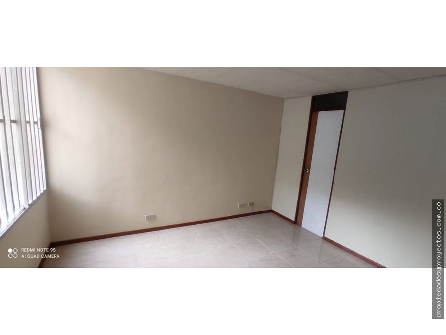 se arrienda apartamento en la almeria