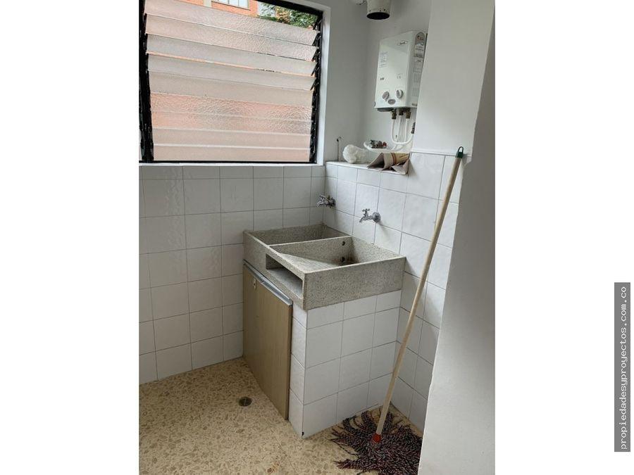 se arrienda apartamento en el poblado sector los balsos