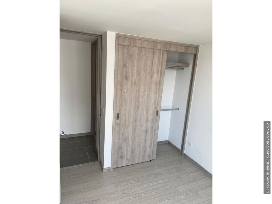 se vende o arrienda apartamento en la loma de los bernal